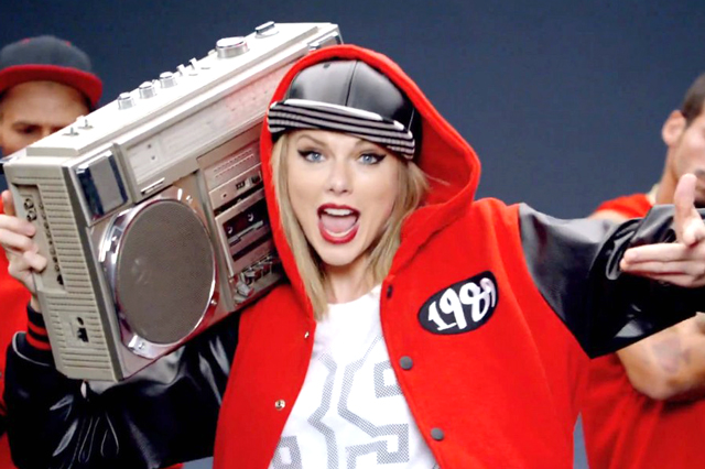 taylor-swift-shake-it-off-music-video-051